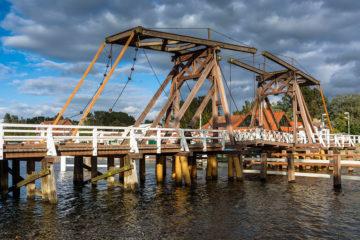 Wiecker Hebebrücke aus Holz in Greifswald