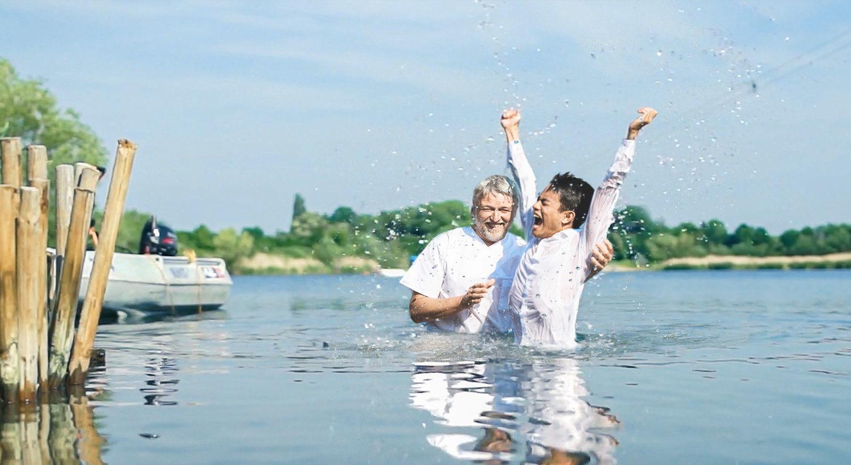 Jubel bei Taufe